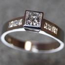 JewelCraft_Square Diamond Ring